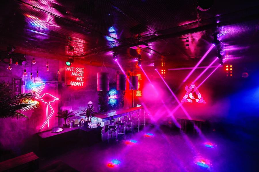 Москва клуб неон как работает ночной клуб метелица