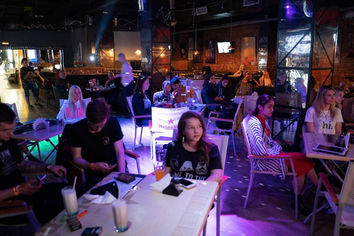 Ночной клуб в москве онлайн трансляция видео эротического шоу тайланд