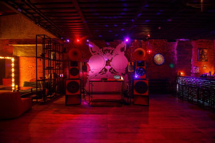 Ночной клуб москвы гараж техника клуб москва