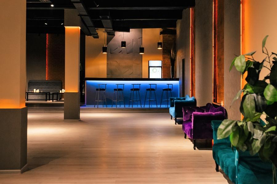 Ночной клуб в москве для студентов официантки в ночной клуб новосибирск