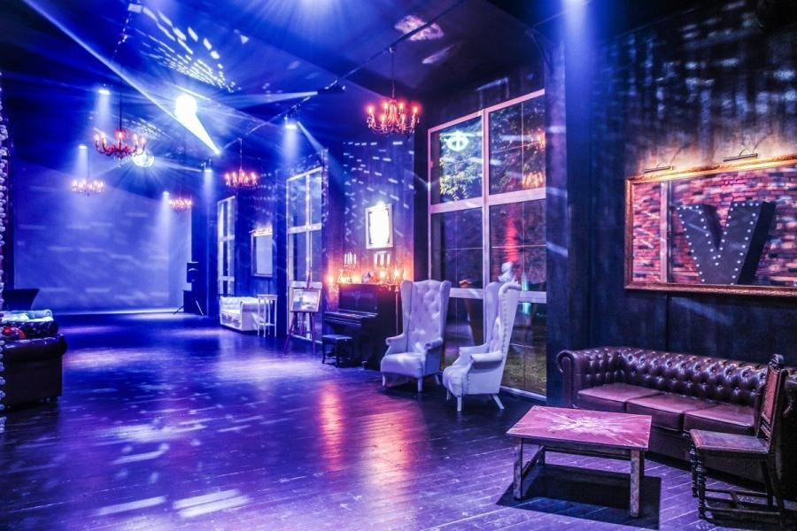 Клуб на ленинском проспекте в москве ночные клубы среднеуральска